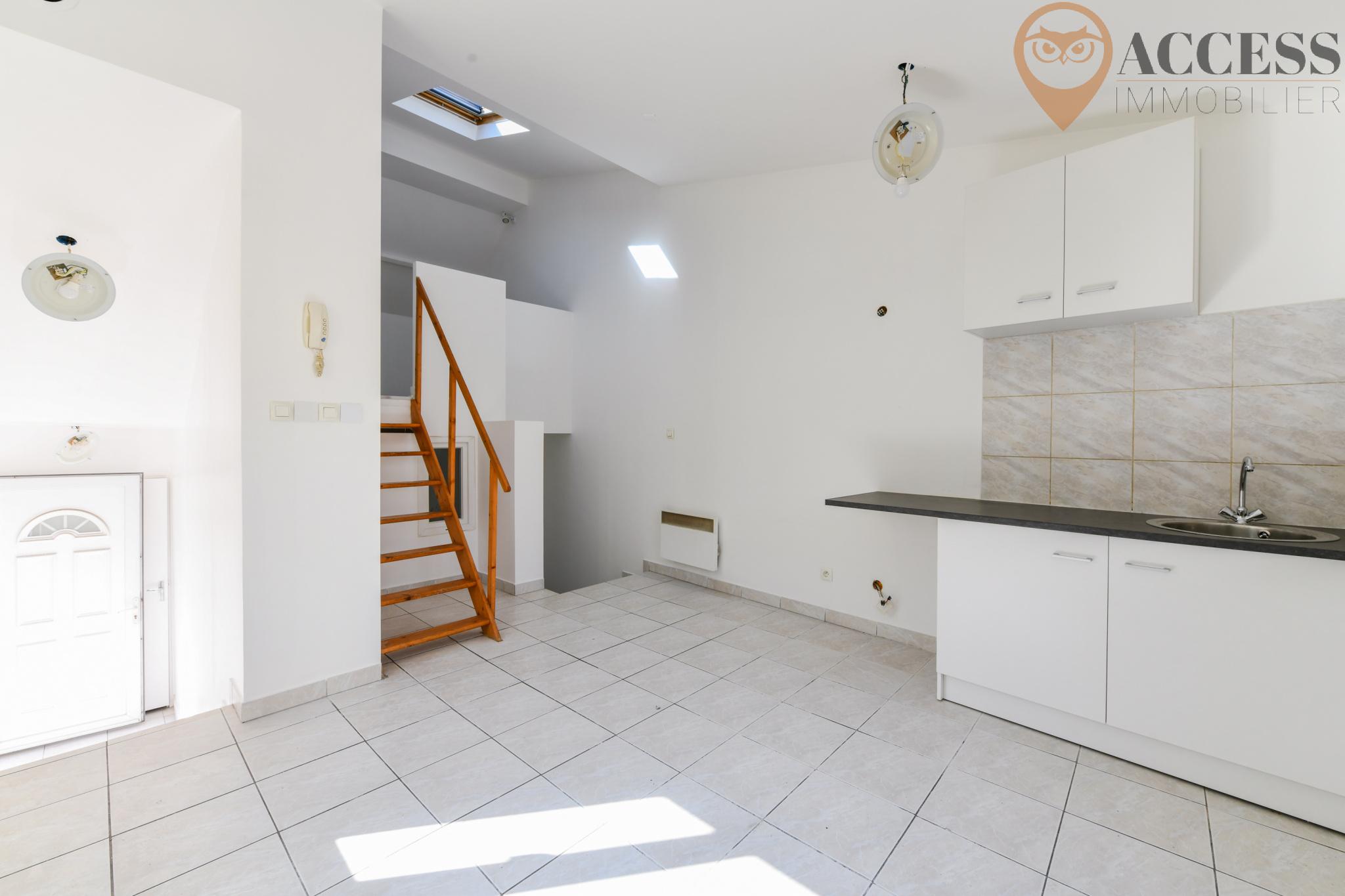 vente saint brice sous foret maison de ville type f2. Black Bedroom Furniture Sets. Home Design Ideas